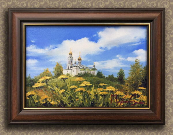 Храм на пригорке